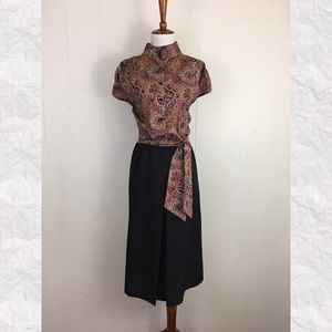 Vintage Mock Neck Paisley Kick Pleat Midi Skirt